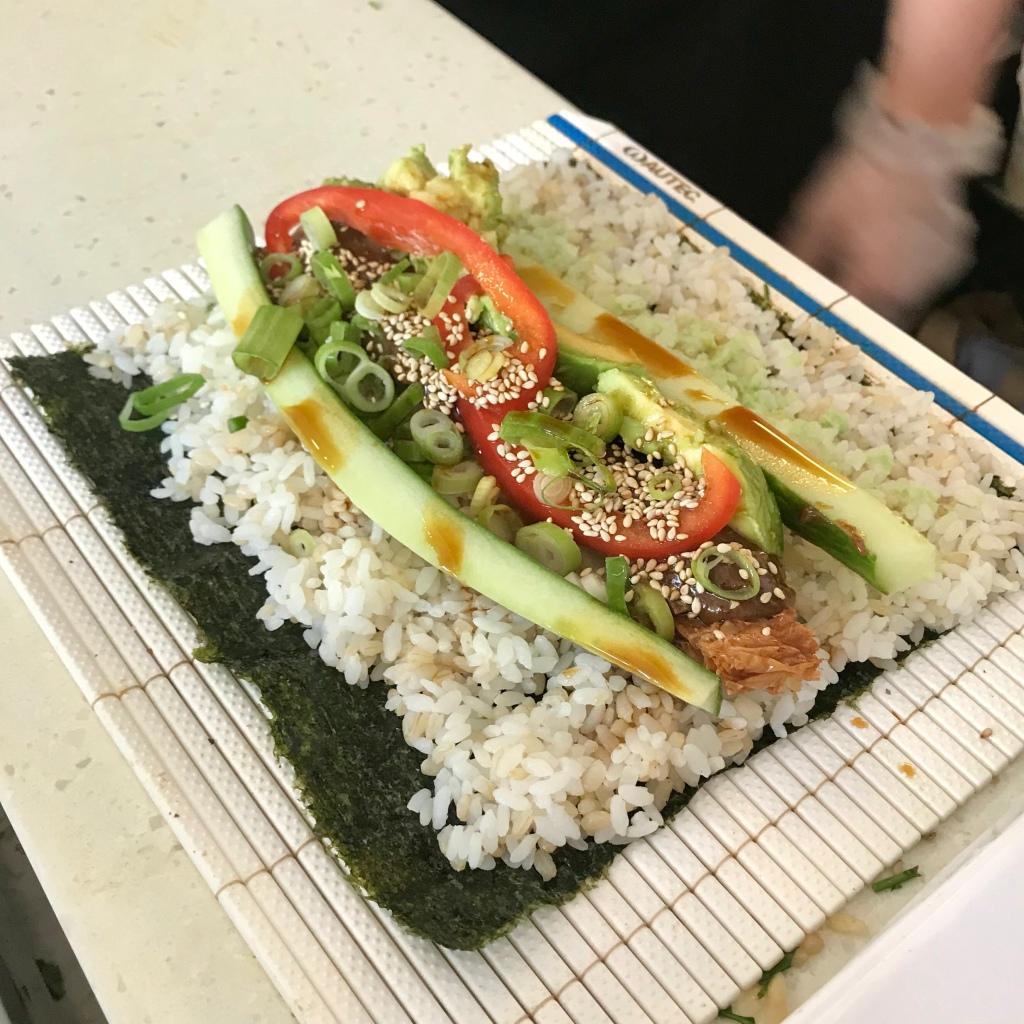 happy maki sushi making - gimme veg
