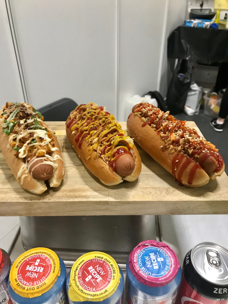 vegan hotdogs - gimme veg
